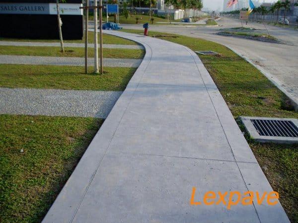 Concrete Pavers Walkway Apron